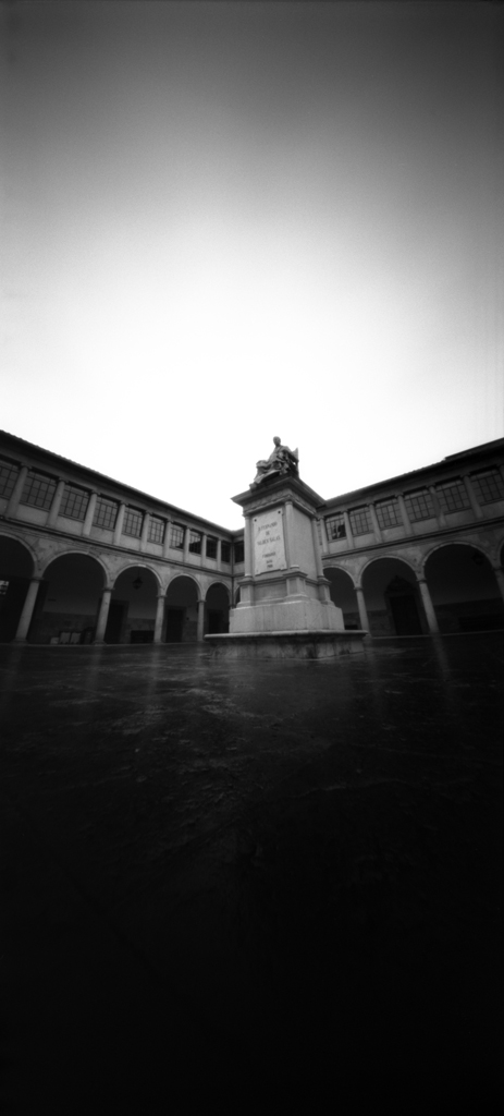 cloister of the historic building of the Universidad de Oviedo