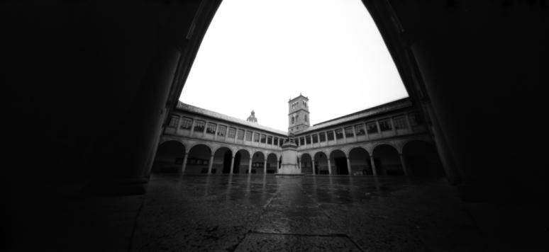 cloister of Universidad de Oviedo